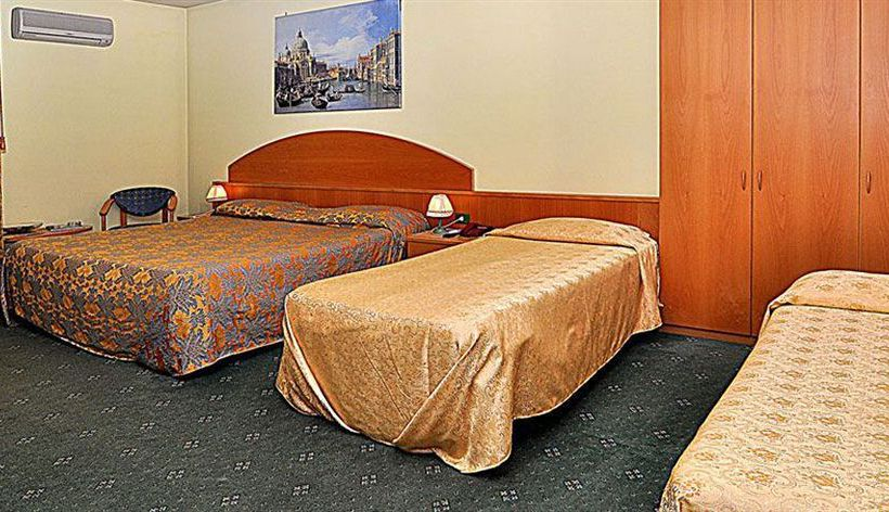 فندق Ascot Lodging Cardano Al Campo