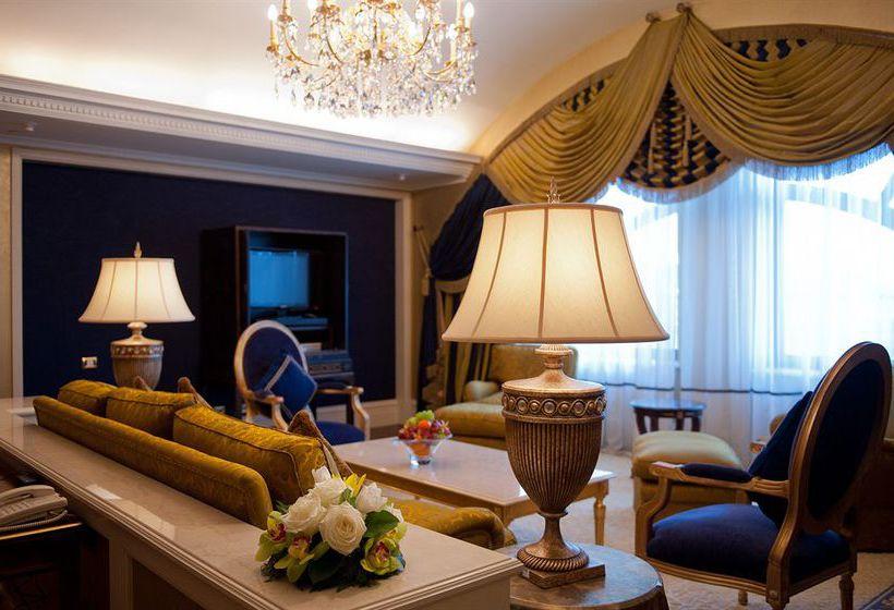 Hotel Donbass Palace Donetsk