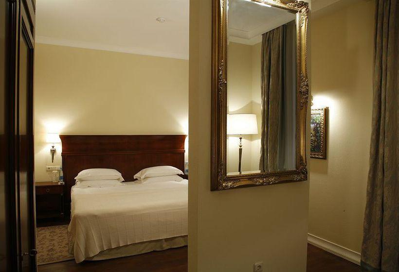 호텔 Leopolis 리비우