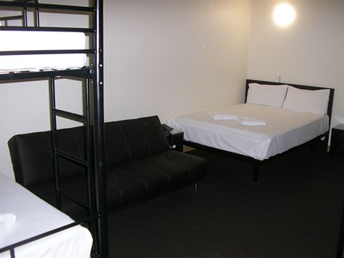 Hotel Explorers Inn Brisbane