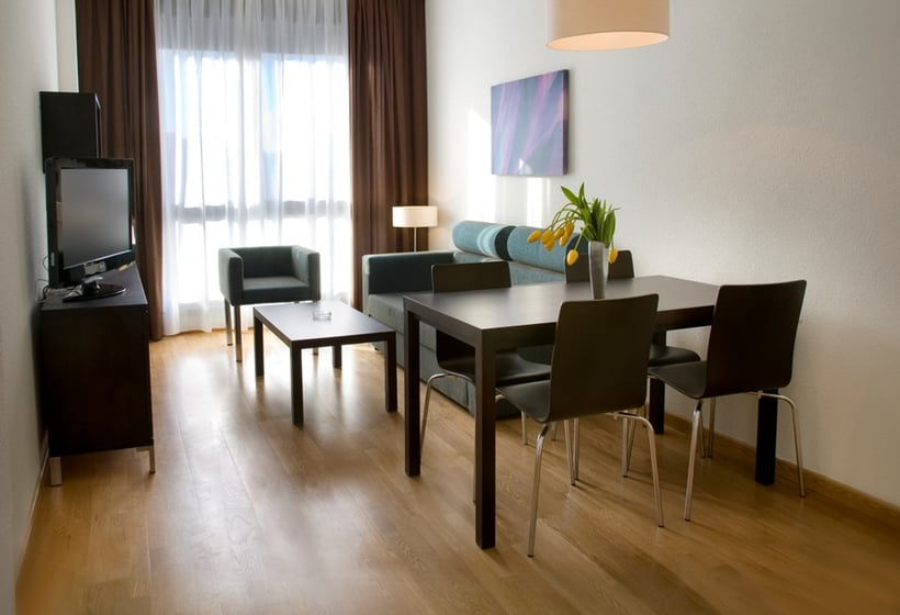 Chambre Aparthotel Compostela Suites Madrid