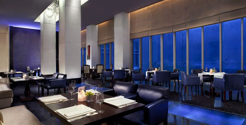 فندق The Ritz-Carlton Dubai International Financial Centre دبي