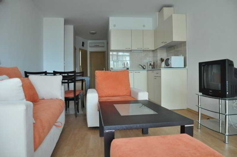 Sunny Holiday Aparthotel Sonnenstrand