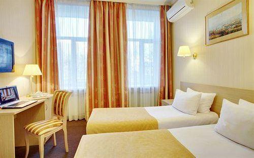 فندق Bristol سانت بطرسبرغ