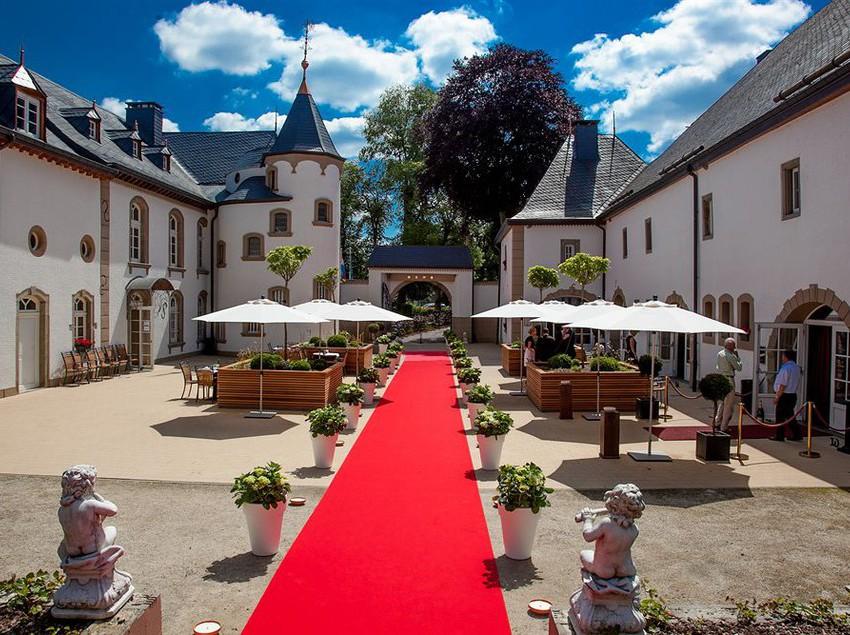 فندق Chateau D'Urspelt كليرفو