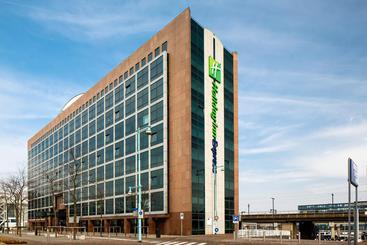 Hotel Holiday Inn Express Amsterdam Sloterdijk Station