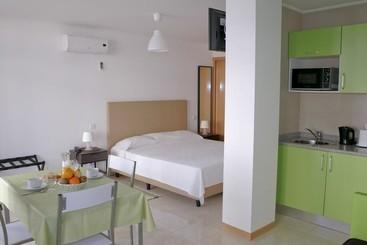 Apartamentos Mirante da Rocha