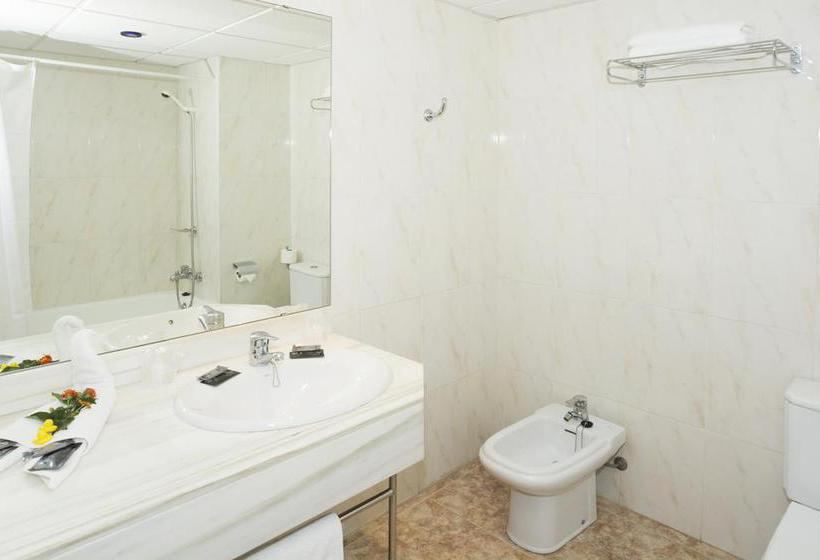 Bathroom Hotel HSM Canarios Park Calas de Mallorca