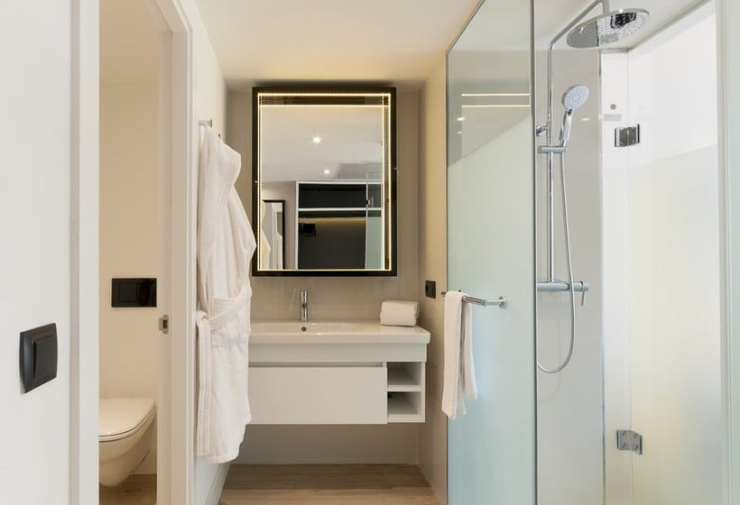 Bathroom Hotel Innside Palma Bosque