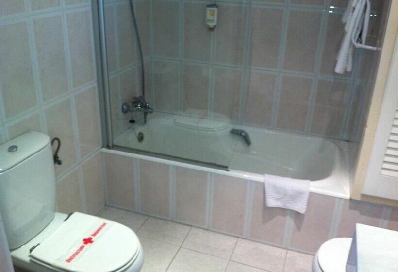 Bathroom فندق Artiem Capri  ماهون