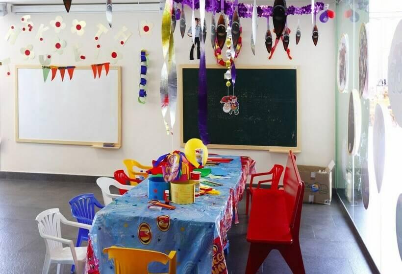 Children's facilities Hotel Occidental Menorca Sant Lluis
