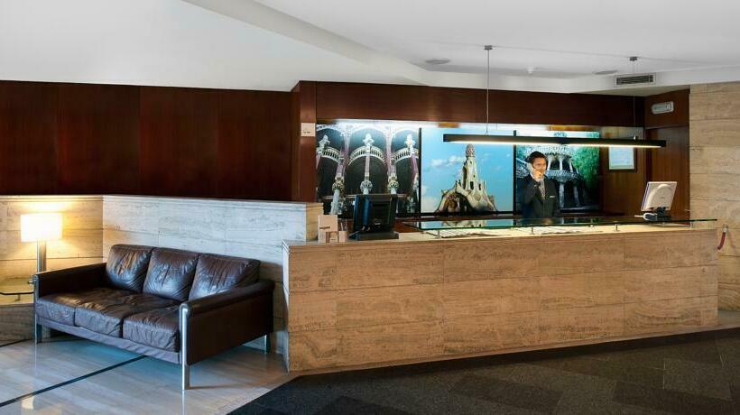 Hotel Catalonia Park Guell a Barcellona a partire da 25 €| Destinia