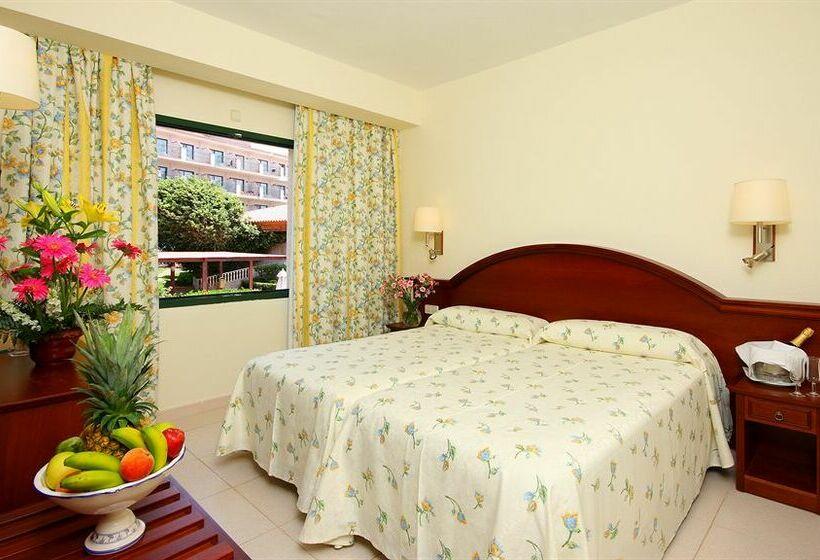 Valentín Son Bou Hotel & Apartamentos