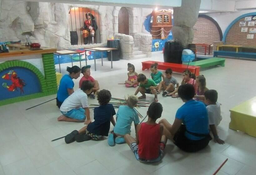 Instalaciones infantiles Hotel Los Patos Park Benalmádena