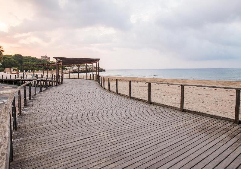 Esterno Hotel Nuria Tarragona