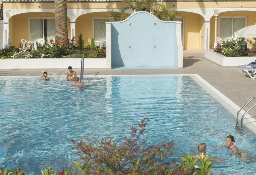 Swimming pool Hotel RF San Borondon Puerto de la Cruz