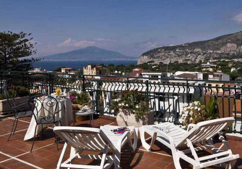 Hotel Caravel Sorrento Menu