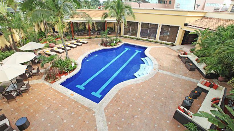 Piscine Hôtel InterContinental Real San Pedro Sula