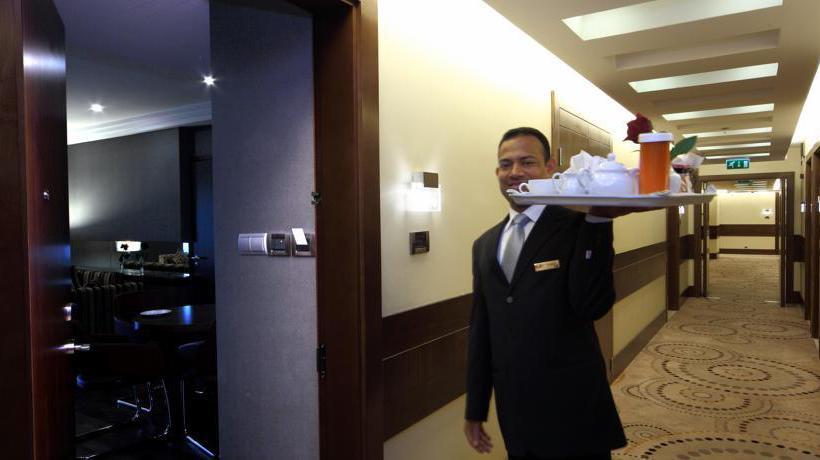 Altri Hotel Crowne Plaza Riyadh Minhal