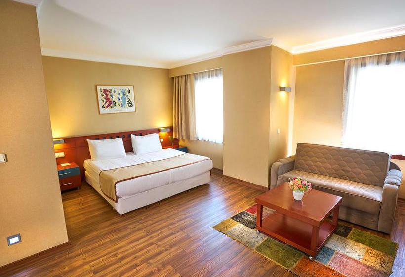 Quarto Hotel Feronya Istambul