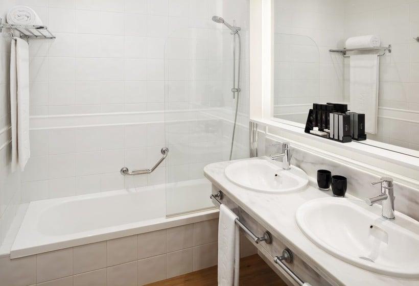 Bathroom Hotel Meliá Jardines del Teide Costa Adeje