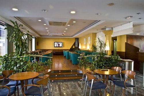 Hotel Port Salins in Empuriabrava, starting at £28   Destinia