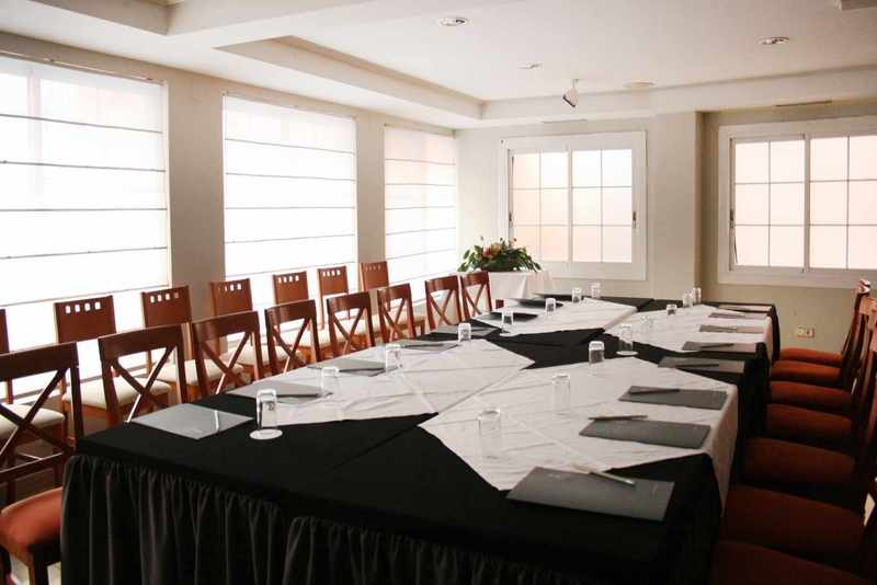Aparthotel Habitat Center Los Girasoles Saragossa