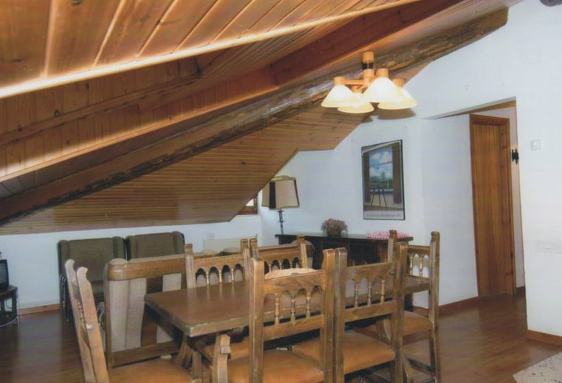Zimmer Apartamentos Espot 1300
