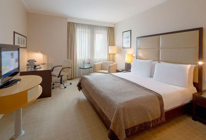 Habitación Mövenpick Hotel Istanbul Estambul