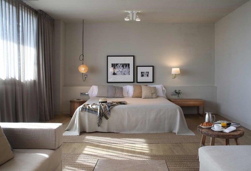 Quarto Hotel Peralada Wine Spa & Golf