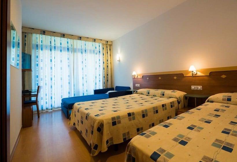 Hotel blaucel en blanes desde 861 destinia for Hotel habitacion familiar londres