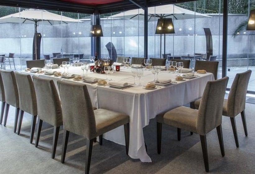 مطعم فندق Zenit Bilbao بلباو