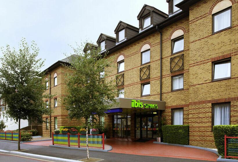 호텔 ibis Styles Londres Leyton 런던