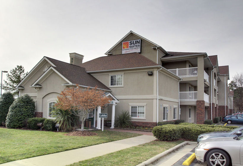 Hotel Lodge America of Raleigh