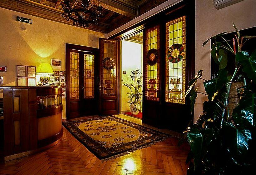 Rezeption Hotel Accademia Florenz