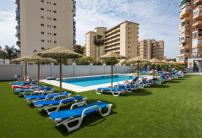 Swimming pool Aparthotel Veramar Fuengirola