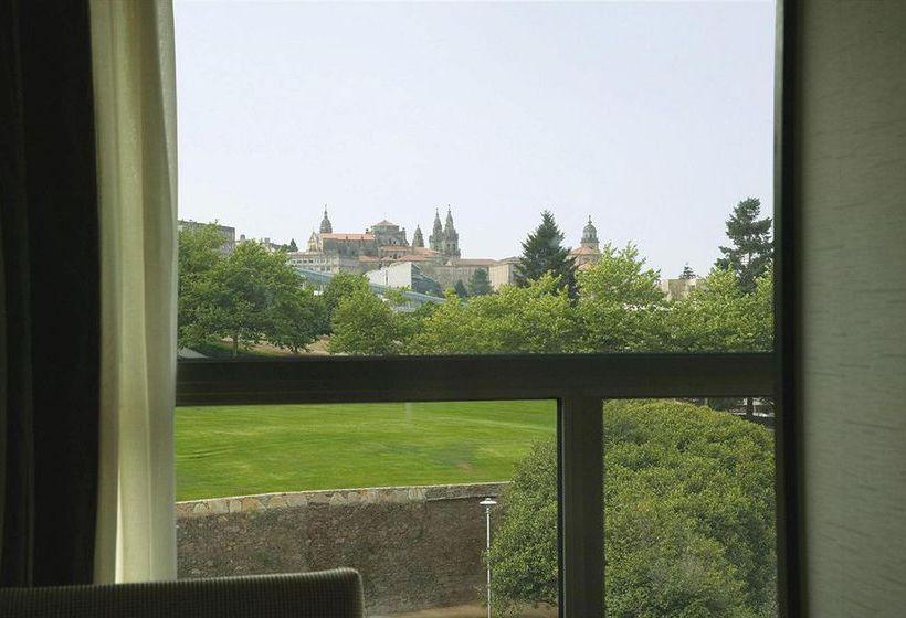 部屋 ホテル NH Collection Santiago de Compostela サンティアゴ・デ・コンポステーラ