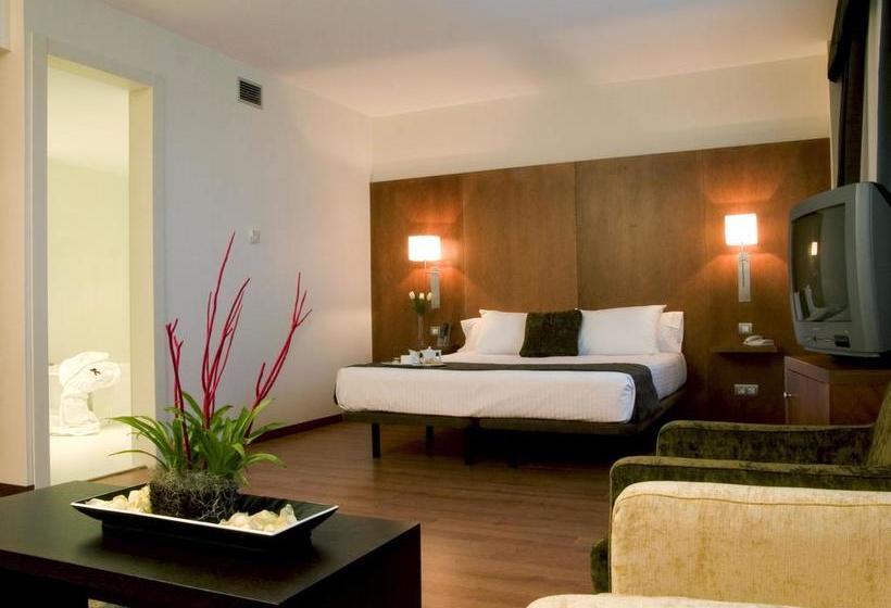 Hotel Xon\'s Valencia in Quart de Poblet, ab 26 €, | Destinia
