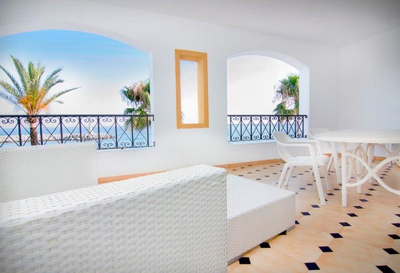 Park Plaza Suites Apartamentos Puerto Banus