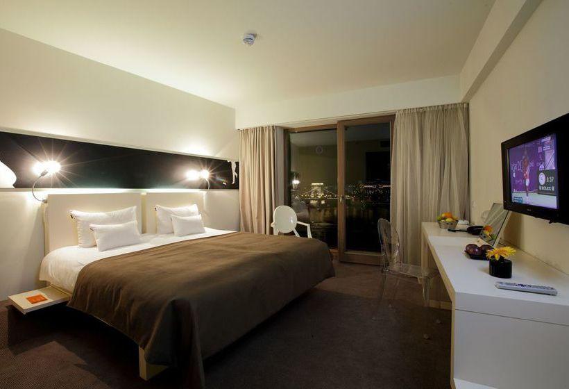 Lanchid 19 design hotel in budapest starting at 35 for Design hotel budapest