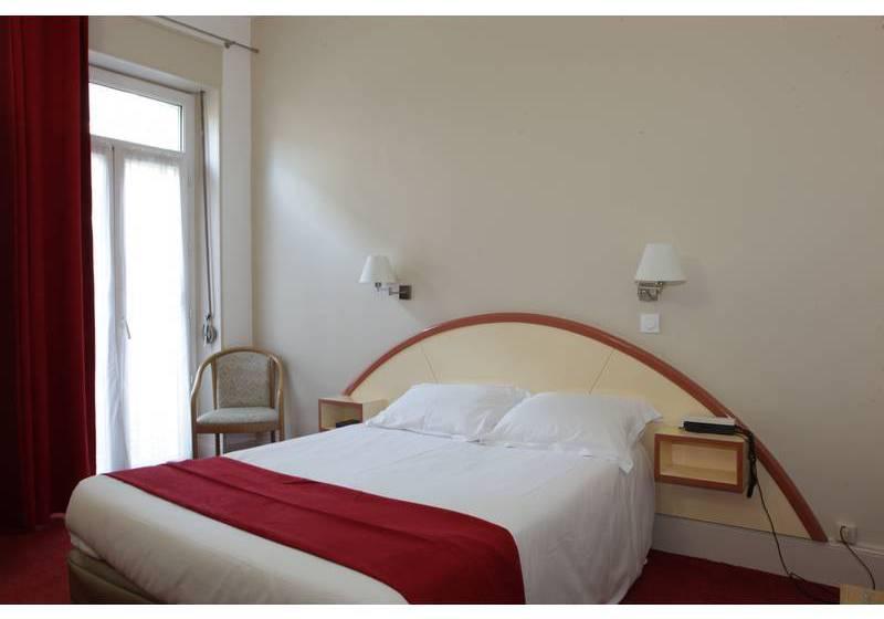 Inter hotel bristol en aix les bains destinia - Hotel aix les bains cauchemar en cuisine ...