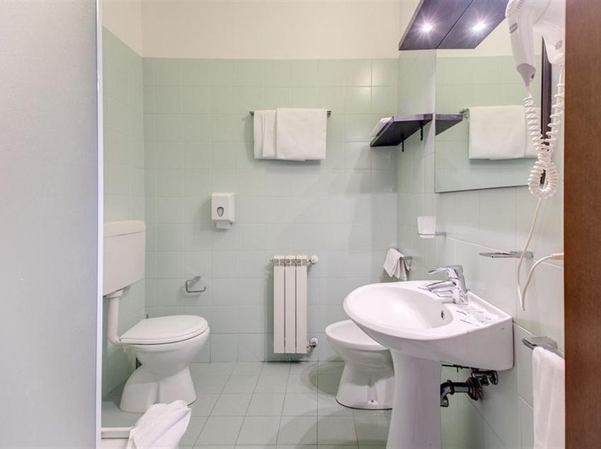 Bathroom Alba Hotel Torre Maura روما