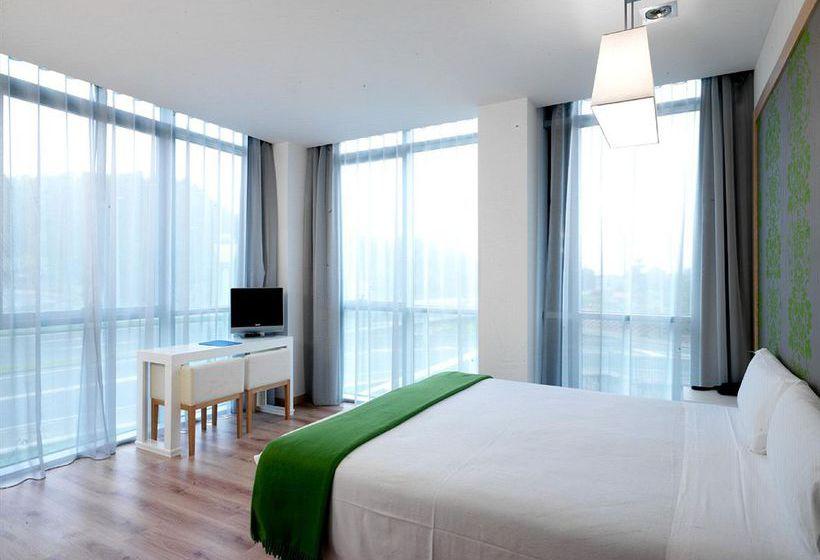 Zimmer Hotel NH La Avanzada Lejona
