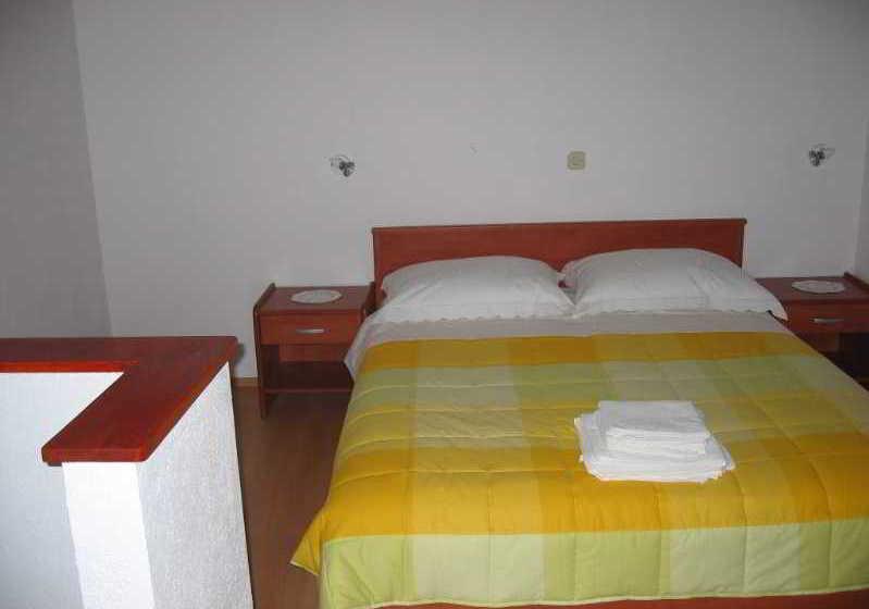 Hôtel Apartmani Seljacka Kuca Omis