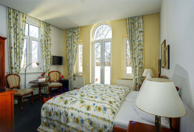 Kurpark hotel warnem nde in rostock ab 69 destinia for Hotels warnemunde und umgebung