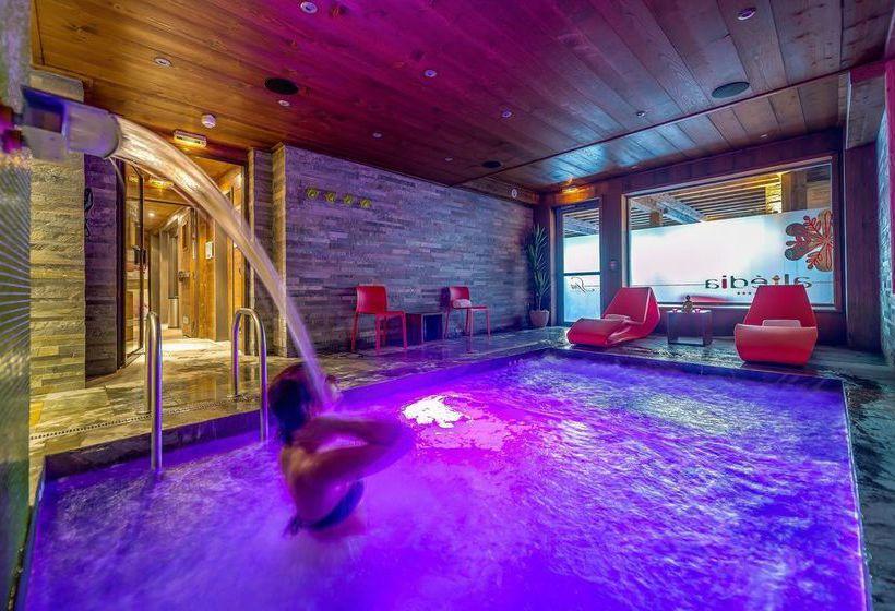h tel la maison rouge 3 barberaz les meilleures offres avec destinia. Black Bedroom Furniture Sets. Home Design Ideas