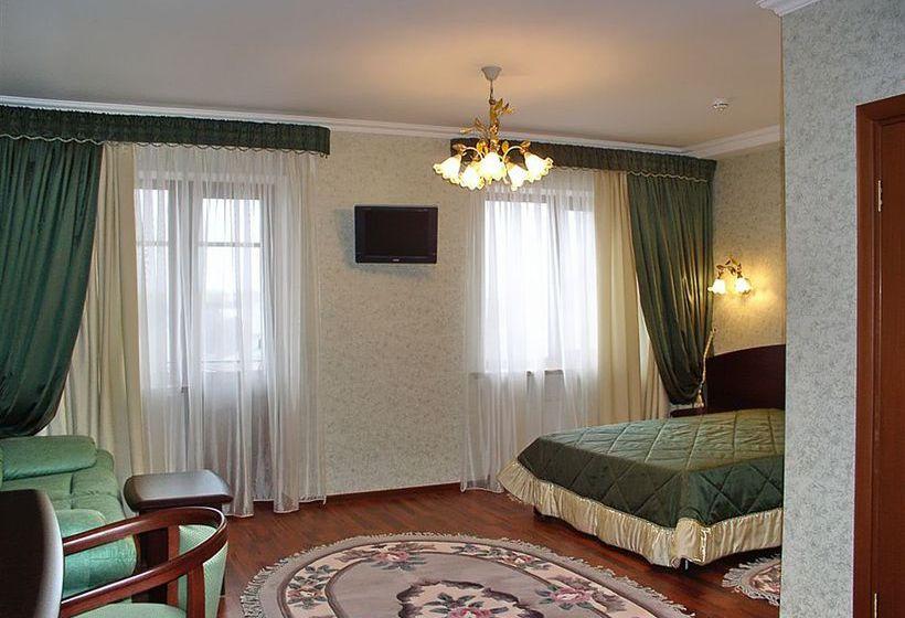 호텔 Savoy Petit 크라스노다르