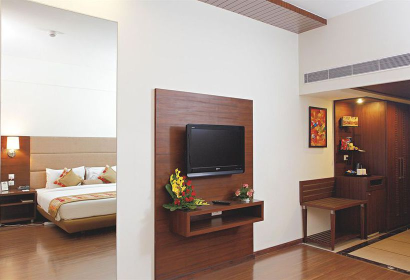 Hotel Country Inn & Suites By Carlson-Amritsar