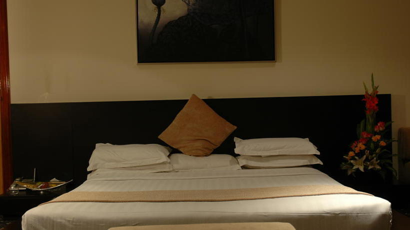 غرفة Phoenicia Tower Hotel المنامة