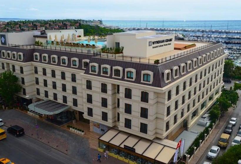 بیرونی هتل Wyndham Grand Istanbul Kalamis Marina استانبول
